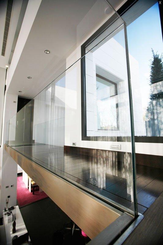 Barandillas cristal barandillas vidrio barnizado for Barandillas de cristal para terrazas