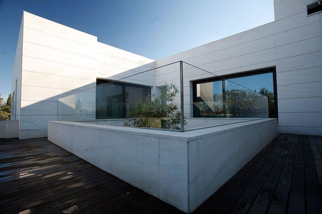 Suelos y barandillas de cristal vetrolux for Barandillas de cristal para terrazas