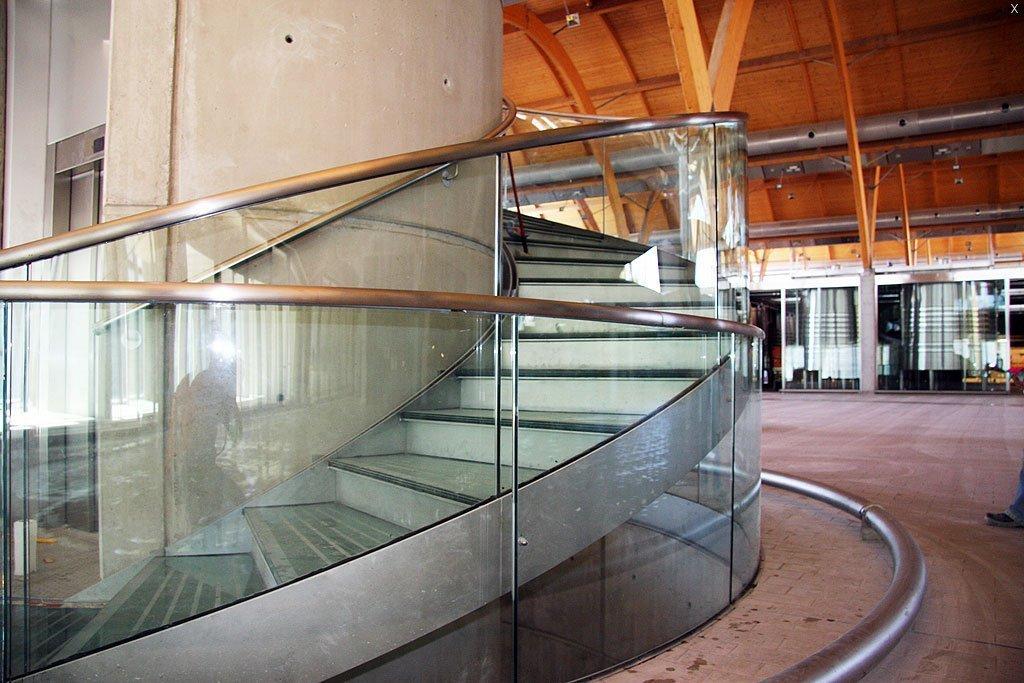Suelo de vidrio pisable stunning burgos vidrio objetos - Suelos de vidrio ...
