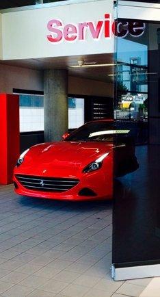 trabajo con vidrio en Ferrari Santogal