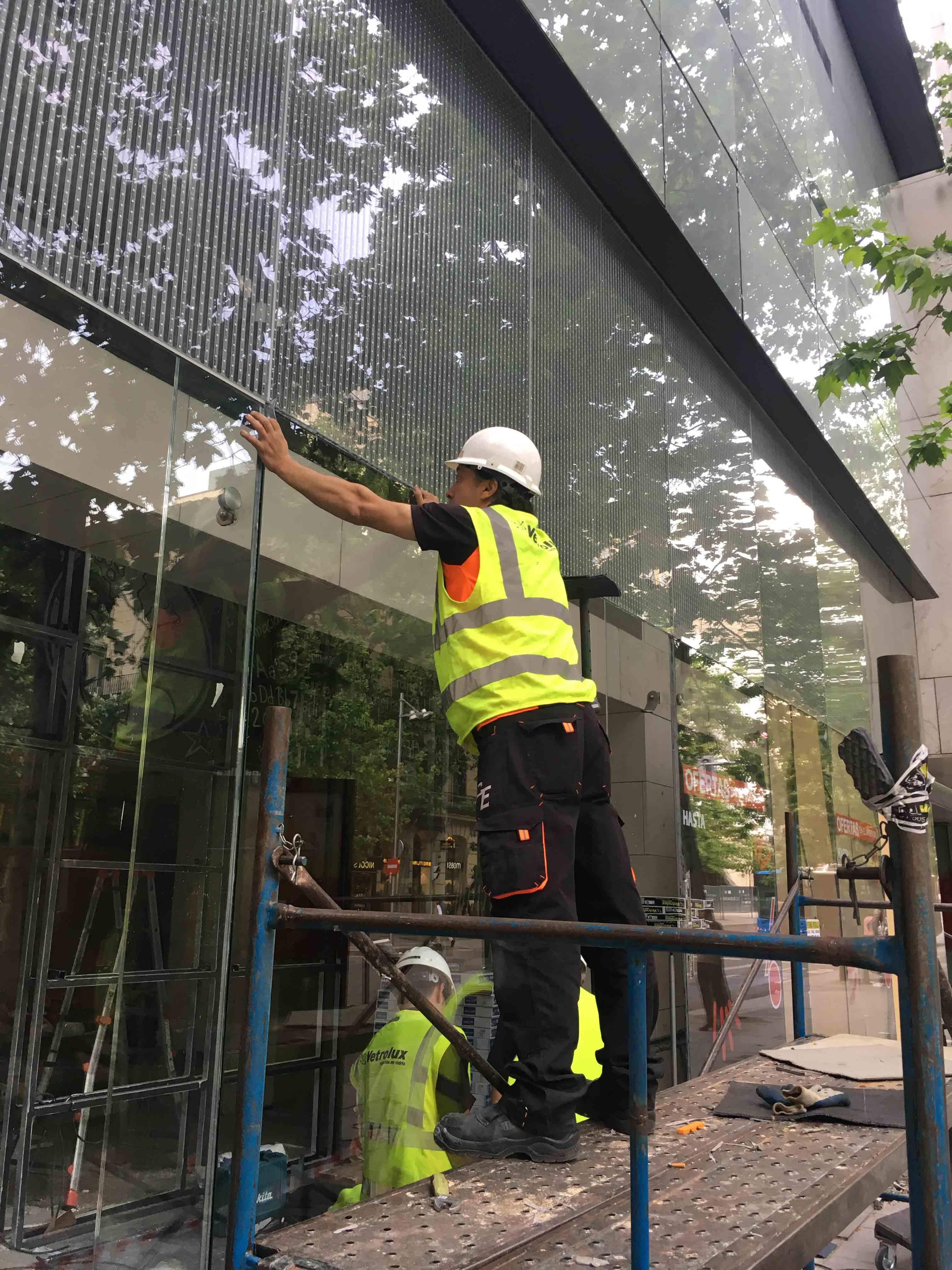 trabajo con vidrio vetrolux en madrid
